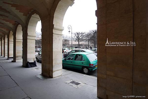 拱廊望向孚日廣場