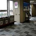 電車站垃圾桶