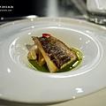 煎烤馬頭魚佐鯷魚菠菜泥