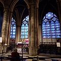 聖母院_喜歡歐洲教堂內的花窗