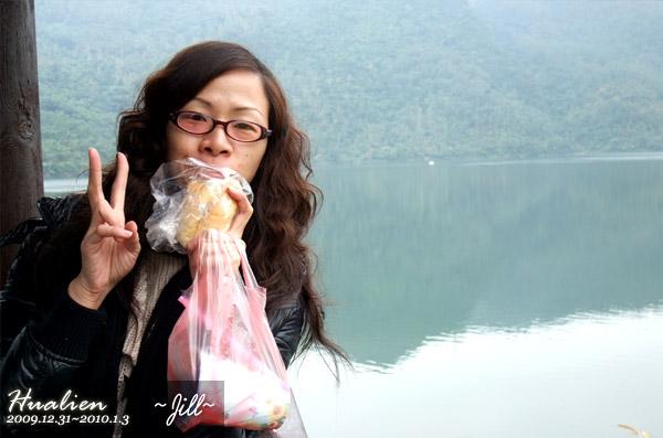 很令人懷念的沙拉麵包~龍大爺居然沒吃過!!!!!