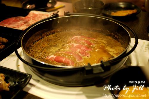 牛肉起司捲下鍋.jpg