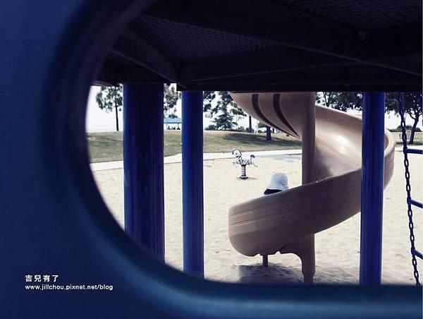 playground_littlehorse6.jpg