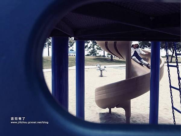 playground_littlehorse5.jpg