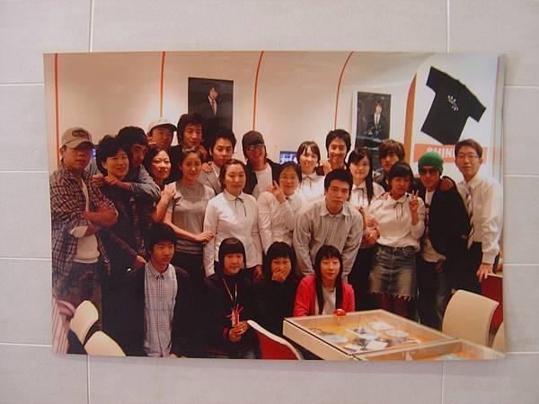 牆上照片:開幕式大合照
