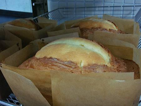 老師烤的重奶油蛋糕真漂亮