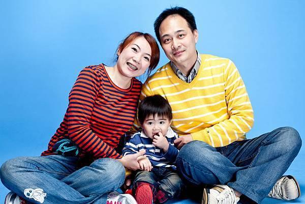 201102全家福照片-003.jpg