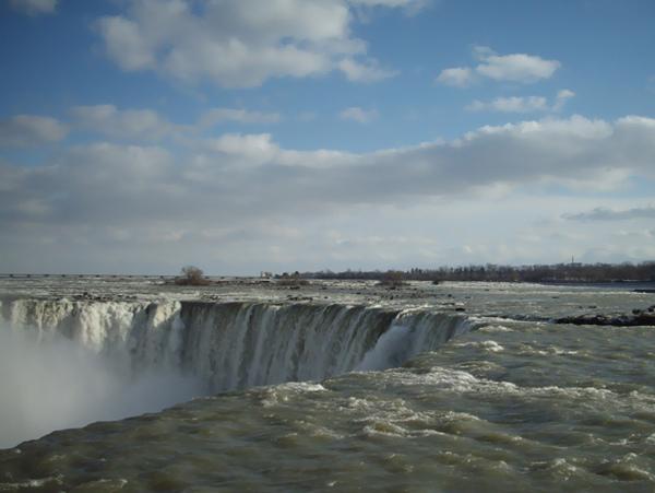 冬天的加拿大瀑布一角