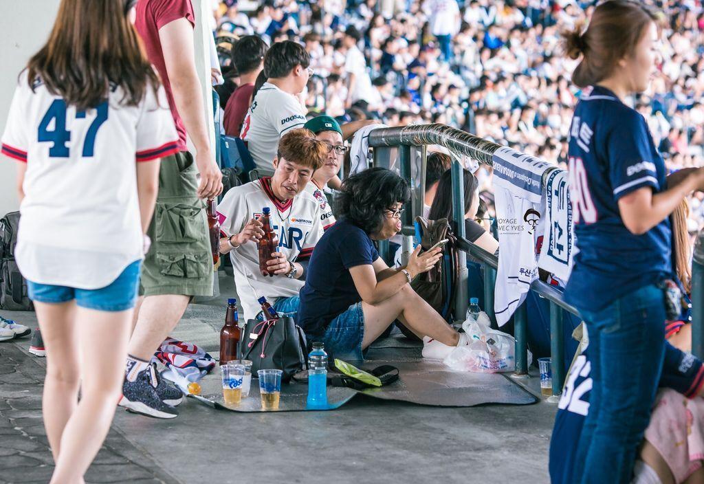 Fans (9).jpg