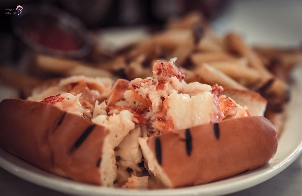 lobster roll (1).jpg