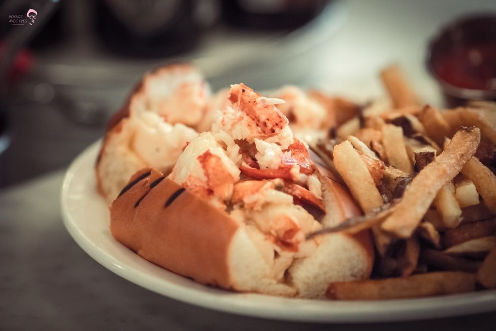 lobster roll (2).jpg