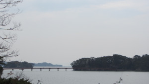 五大堂看到的福浦橋和福浦島