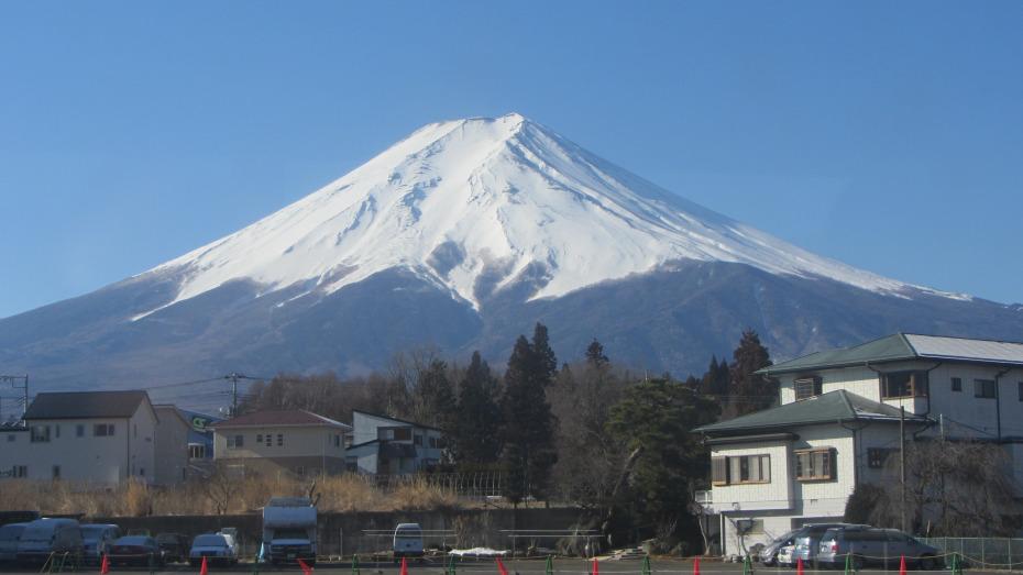前往富士急樂園看到的富士山