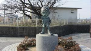 車站前的柯南雕像