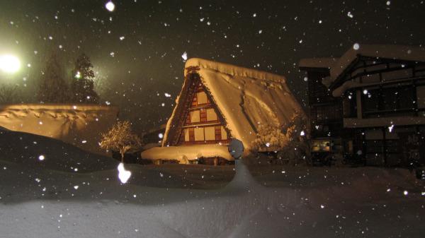 夜間點燈的白川鄉合掌村