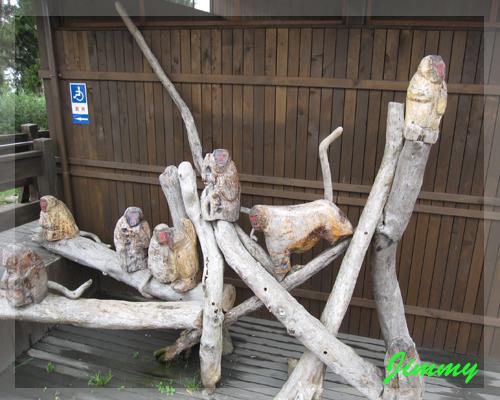 猴子雕像.jpg