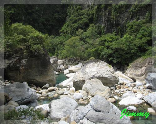 奇岩怪石.jpg