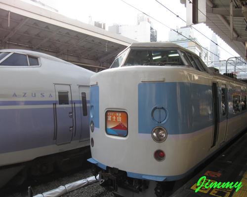 假日快速列車.jpg