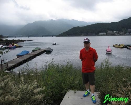湖邊.jpg