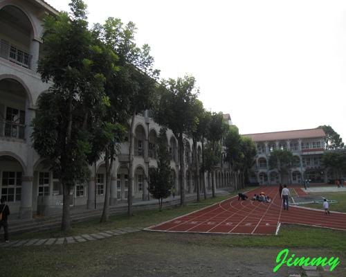 旁邊學校.jpg