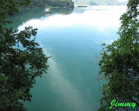 綠水.jpg