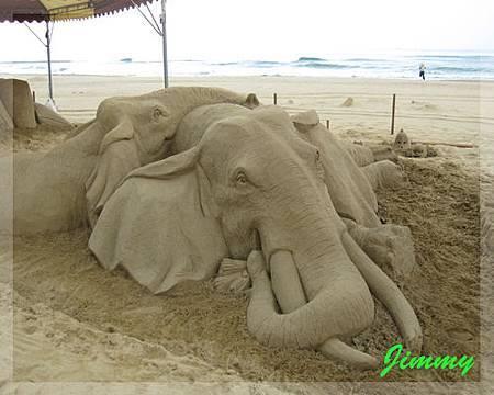 超逼真的大象.jpg