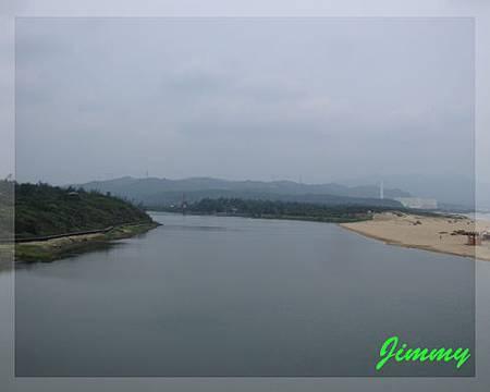 很大條的雙溪河.jpg