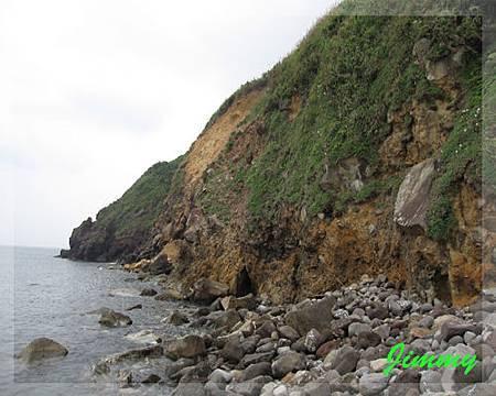 裸露岩層.jpg