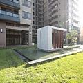 雄基建設「原風景」22中庭.JPG