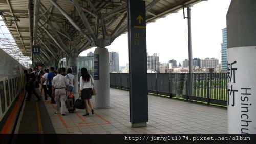 [竹北] 竹北高鐵特區(輕軌六家站)2011-06-22 011.jpg