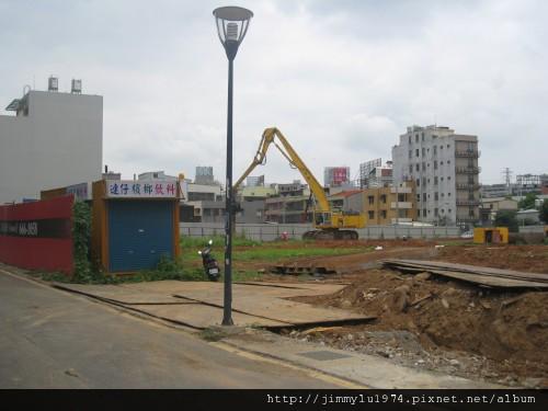 [新竹] 盛亞建設「富宇六藝」基地施工 2011-07-12 02.jpg