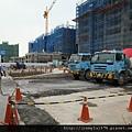 [竹北] 達麗建設「世界之窗」結構體初探:隔震層 2011-09-09 001.jpg
