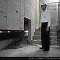 [竹北] 達麗建設「世界之窗」結構體初探:隔震層 2011-09-09 002.jpg