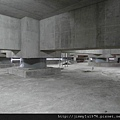 [竹北] 達麗建設「世界之窗」結構體初探:隔震層 2011-09-09 004.jpg
