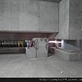 [竹北] 達麗建設「世界之窗」結構體初探:隔震層 2011-09-09 007.jpg