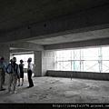 [竹北] 達麗建設「世界之窗」結構體初探:隔震層 2011-09-09 008.jpg
