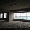 [竹北] 達麗建設「世界之窗」結構體初探:隔震層 2011-09-09 014.jpg