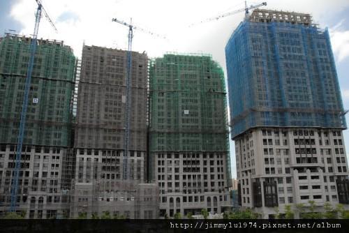 [新竹] 鴻築建設「十里靜安」(讀者yrlinb提供)2011-07-16 001.jpg