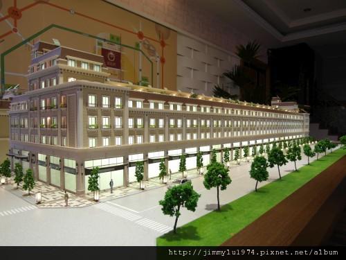 [竹南] 上磊建設「富比士」外觀參考模型2012-07-10 002
