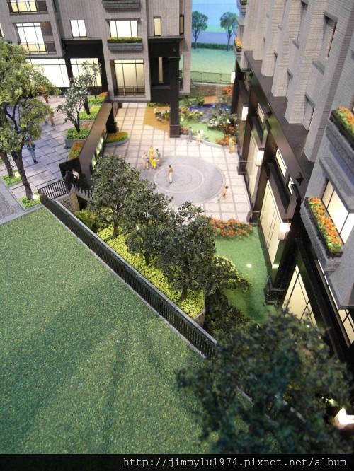 [大園] 玖都機構「東方明珠2」外觀參考模型2012-07-12 010
