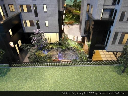 [大園] 玖都機構「東方明珠2」外觀參考模型2012-07-12 007