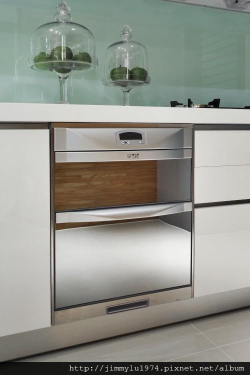 [竹北] 富宇建設「東方之星」建材設備 2012-11-09 007 落地型烘碗機