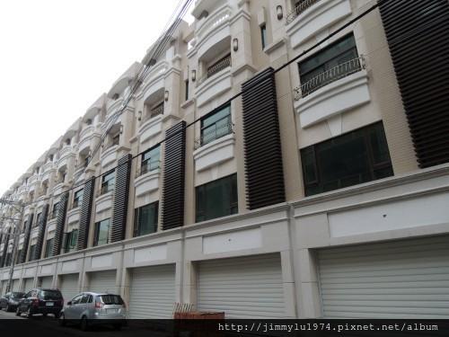 [竹北] 宏家建設「人文天尊」即將完工 2013-04-16 002