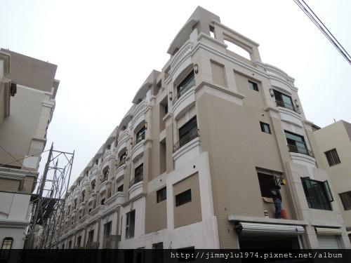 [竹北] 宏家建設「人文天尊」即將完工 2013-04-16 011