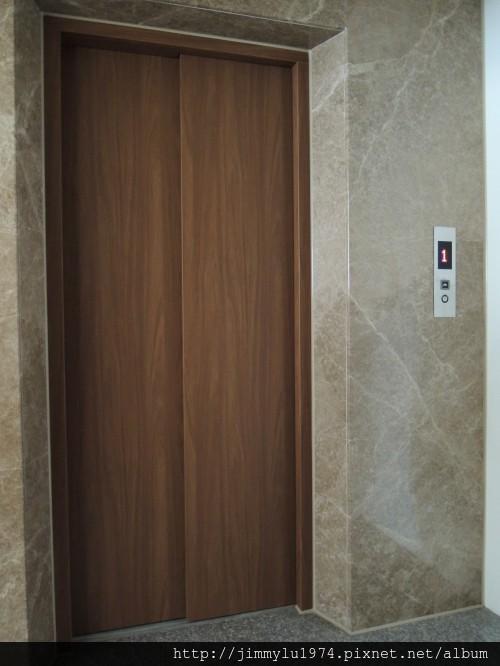 [新竹] 祐佳建設「愛丁堡3」角地電梯透店(自售) 2013-04-16 020