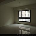 [新竹] 祐佳建設「愛丁堡3」角地電梯透店(自售) 2013-04-16 021
