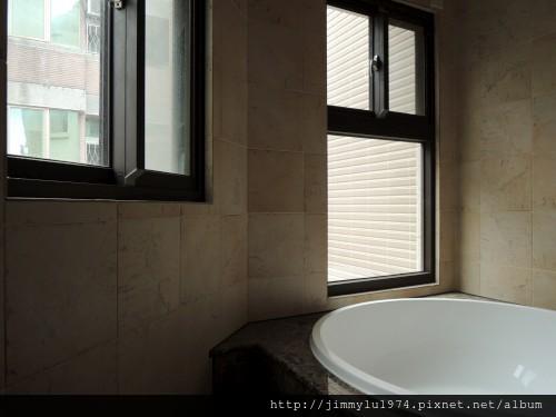 [新竹] 祐佳建設「愛丁堡3」角地電梯透店(自售) 2013-04-16 031