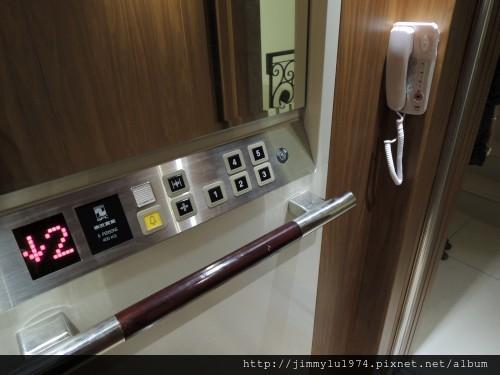 [新竹] 祐佳建設「愛丁堡3」角地電梯透店(自售) 2013-04-16 045