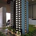 [頭份] 美居建設「美居仰森」2013-04-30 002 外觀參考模型