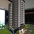 [頭份] 美居建設「美居仰森」2013-04-30 004 外觀參考模型